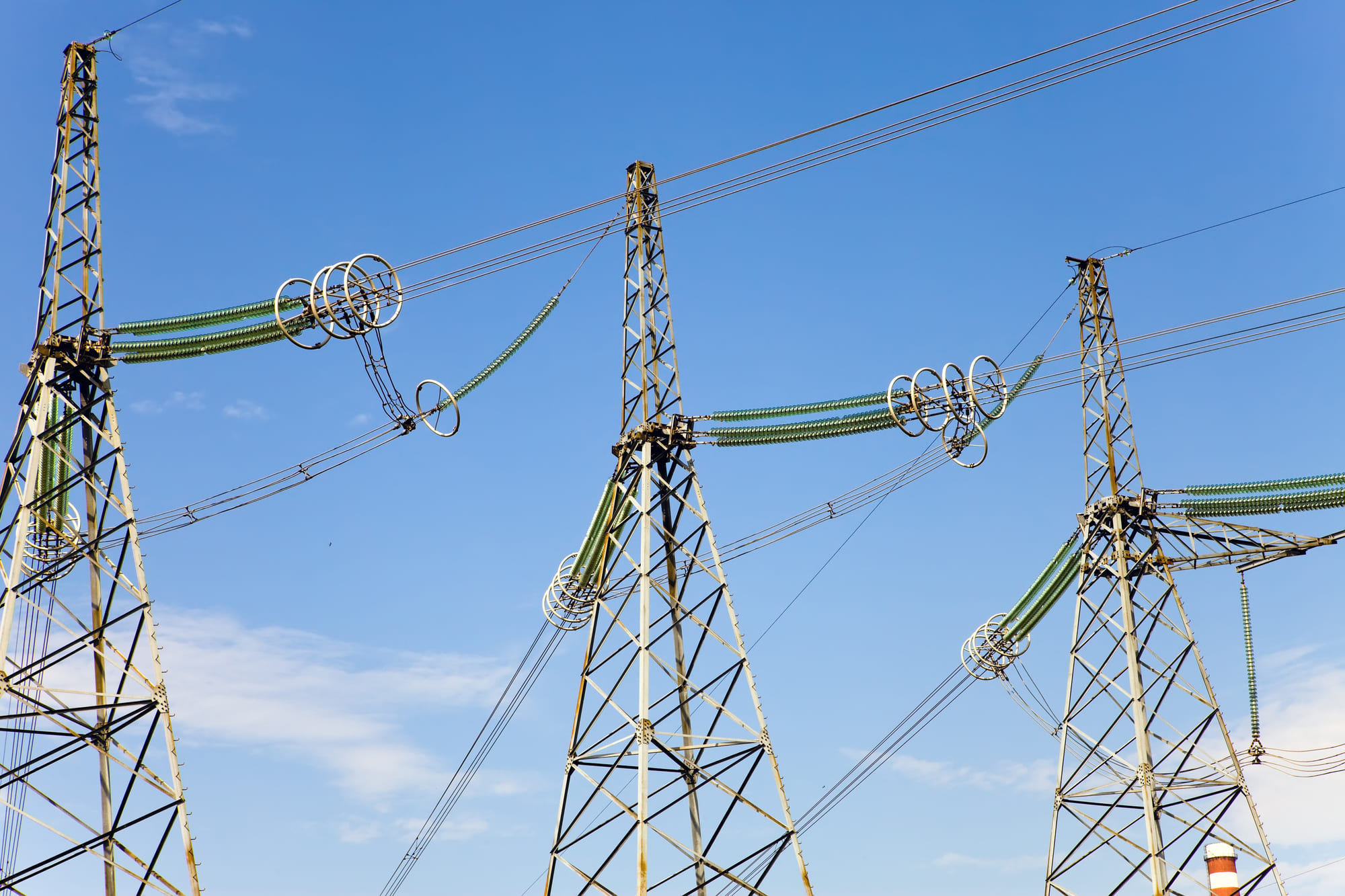 電力会社の電線